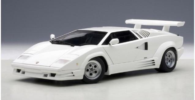 Autoart 74537 Lamborghini Countach 25th Anniversary White 1 18