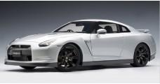Nissan GT-R (R35) Premium Edition Ultimate Silver 1:12 AUTOart 12216