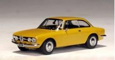 Alfa Romeo 1750 GTV Yellow 1:43 AUTOart 50102