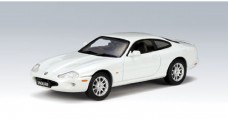Model Jaguar XK8 Coupe White 1:43 AUTOart 53622