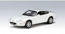 Model Jaguar XK8 Coupe White 1:43 AUTOart 53622