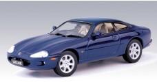 Jaguar Scale Model XK8 Coupe Blue 1:43 AUTOart 53631