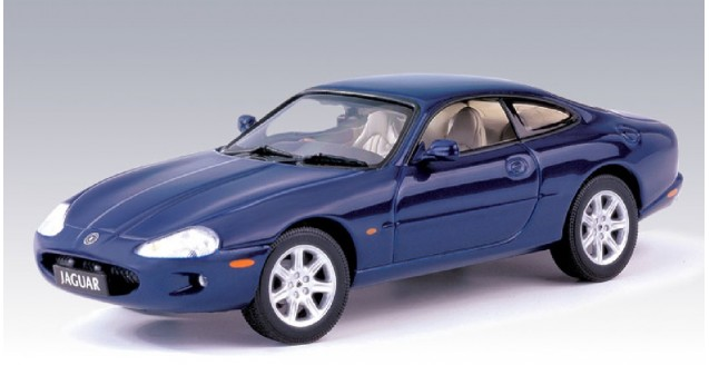 Jaguar Scale Model XK8 Coupe Blue 1:43 AUTOart 53631