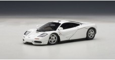 Mc Laren F1 road car White 1:43 AUTOart 56003