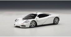 Mc Laren F1 road car White 1:43 AUTOart 56003