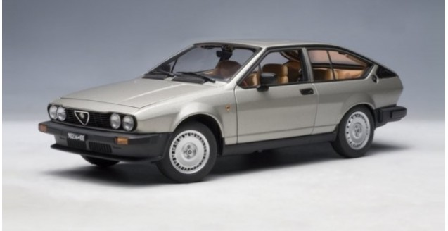 Alfa Romeo Alfetta GTV Grey 1:18 AUTOart 70147