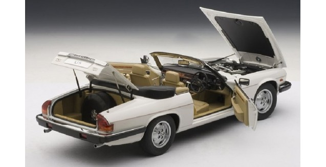 White 73571 AUTOart 1:18 scale Jaguar XJ-S Cabrio//Cabriolet V12