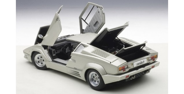 autoart 74536 d lamborghini countach 25th anniversary silver grey 1 18. Black Bedroom Furniture Sets. Home Design Ideas