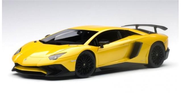 Lamborghini Aventador LP750 4 SV 2015 Yellow 1:18 AUTOart 74558 ...