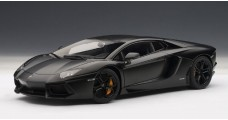 Lamborghini Aventador LP700-4 Matt Black 1:18 AUTOart 74661