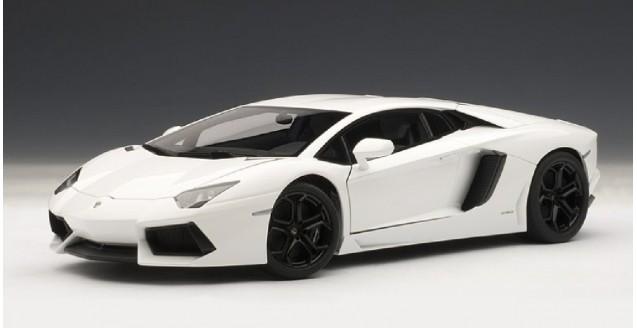 Autoart 74663 Lamborghini Aventador Lp700 4 Bianco Isis White 1 18