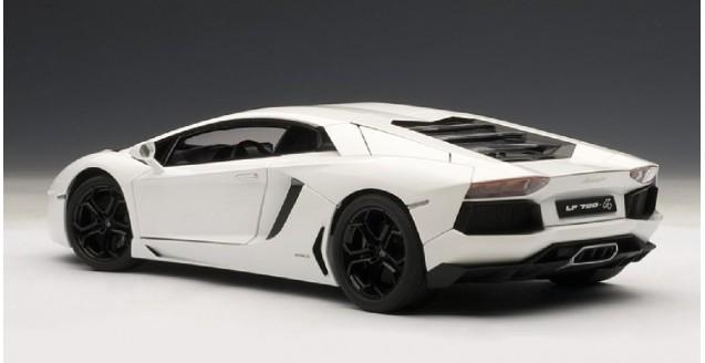 Autoart 74663 Lamborghini Aventador Lp700 4 Bianco Isis