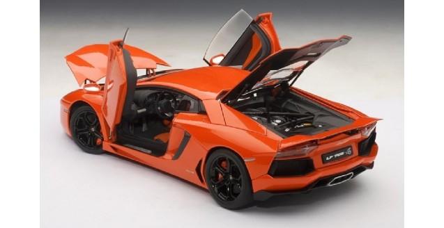Lamborghini Aventador LP700-4 Arancio Argos Orange 1:18 AUTOart 74665