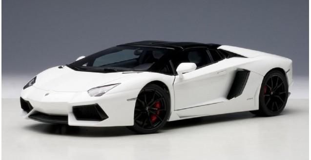Autoart 74696 Lamborghini Aventador Lp 700 4 Roadster Bianco Isis White 1 18