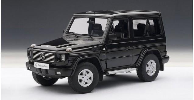 Autoart 76111 mercedes benz g wagon 90s swb black 1 18 for 90s mercedes benz