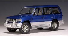 Mitsubishi Pajero LWB RHD Metalic Blue 1:18 AUTOart 77101
