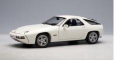 Porsche 928 White 1:18 AUTOart 77902