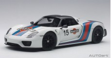 Porsche 918 Spyder WEISSACH PACKAGE White Martini 2013 1:18 AUTOart 77927