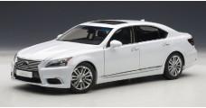 Lexus LS600HL White1:18 AUTOart 78843