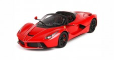 Ferrari LaFerrari Aperta Red Corsa 322 with Case 1:18  BBR Models P18135CBW