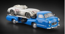 "CMC Mercedes-Benz Racing Car Transporter ""The blue Wonder"" + 300 SLR #701 Dirty Hero Bundle 1:18 CMC M-163"