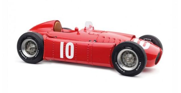 CMC Lancia D50 1955 GP Pau #10 Castellotti Red 1:18 CMC M-178