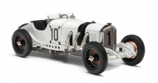 CMC Mercedes-Benz SSKL 1931 GP Germany no10 Hans Stuck White 1:18 CMC M-188