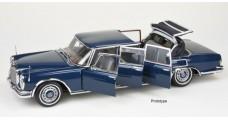 CMC Mercedes-Benz 600 Pullman (W100) Landaulet with functional soft top Blue 1:18 CMC M-205
