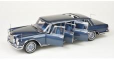 """CMC Mercedes-Benz 600 Pullman """"King of Rock'n Roll"""", blue 1:18 CMC M-218"""