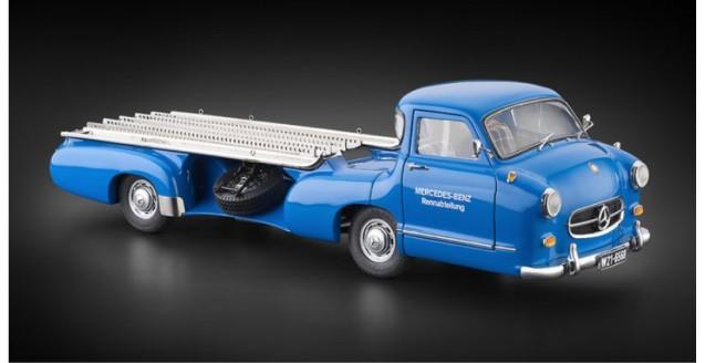"Mercedes-Benz Racing Car Transporter ""The blue Wonder"" 1954/55 REVISED EDITION Blue 1:18 CMC M-143"
