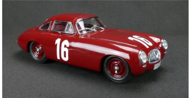 Mercedes Benz 300SL #16 GP Von Bern 1952 Red 1:18 CMC M-160