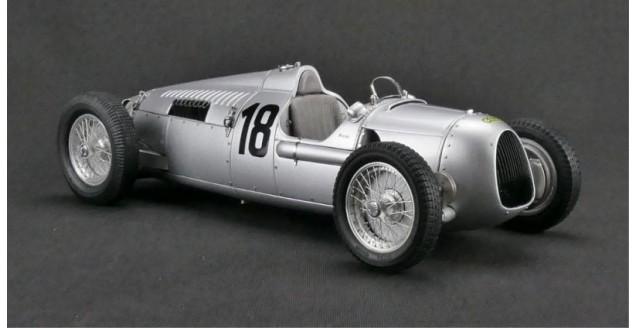 Auto Union Type C #18 Eifel Race 1936 Silver 1:18 CMC M-161