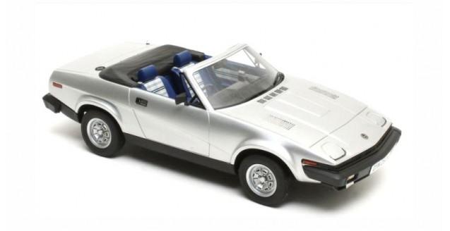 Triumph TR7 DHC 1980 Silver Metallic 1:18 Cult Scale Models CML0070-1