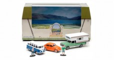 Volkswagen Beetle, Samba & Chevy C20 Camper Campsite Cruisers Diorama 1:64 GREENLIGHT 50966