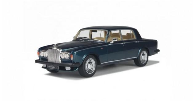 Bentley T2 1977 Dark Blue 1:18 GT-SPIRIT GT091
