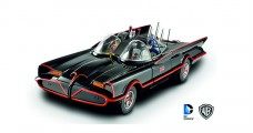 Batman Classic TV Series Batmobile 1966 Black with figures 1:18 Hot Wheels DJJ39