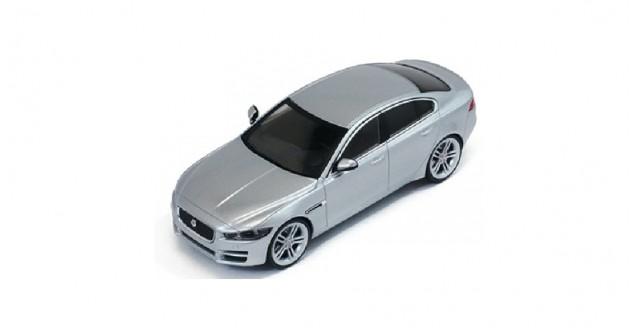 Jaguar Die-Cast XE 2015 Silver 1:43 PremiumX PRD410