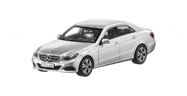 Mercedes E-Class Iridium Silver 2013 1:43 Kyosho B66960184