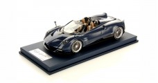 Pagani Huayra Roadster Blue Carbonium With Display Case 1:18 LookSmart LS18_013SE