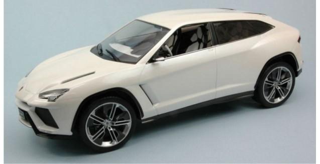 Lamborghini Urus 2012 White 1:18 MCG18023