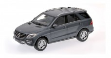 Mercedes M Class Grey 1:18 Minichamps 100030100