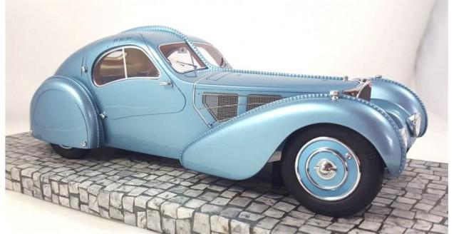Minichamps 107110320 Bugatti Type 57SC Atlantic 1936 Blue Metallic 1:18