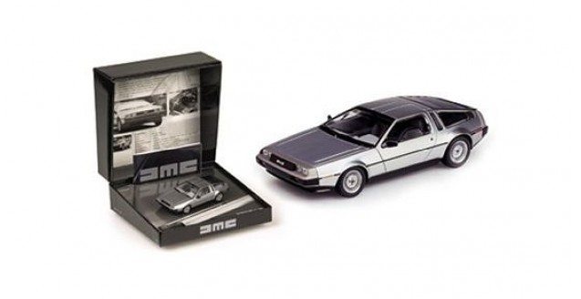 De Lorean DMC12 1981-82 Silver Gift Box 1:43 Minichamps 436140020