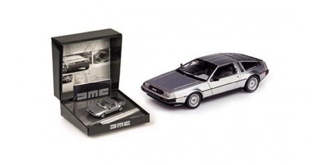 De Lorean DMC12 1981-82 Silver Gift Box 1:43 Minichamps 436140020
