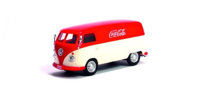 Coca-Cola VW 1962 Transporter Panel Van red Cream 1:43 Motorcity Classics 439827