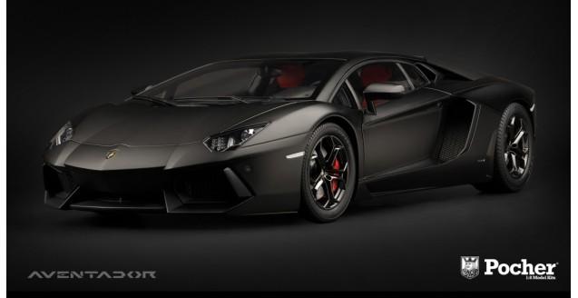 Lamborghini Aventador LP 700-4 Matt Black 1:8 Pocher HK102