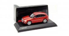 Audi Q5 Red 2013 1:43 Schuco 450756001