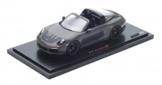 Porsche 911 (991 II) Targa 4S 2017 Dark Grey / Black with Case 1:18 Spark WAX02100029