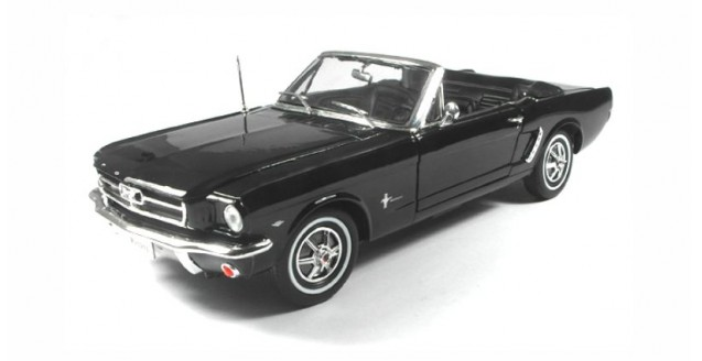 Ford Mustang Convertible Black 1:18 Welly 12519-C