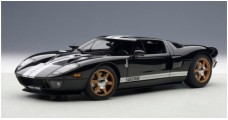 Ford GT 2004 Black White Stripes 1:18 AUTOart 73023